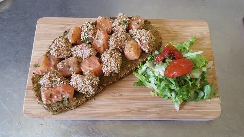 entree_tartine_de_saumon_restaurant_lentre2